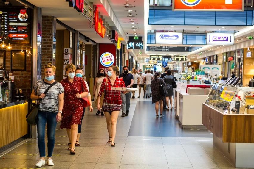 Ruch w e-sklepach w pierwszej połowie marca wzrósł aż o 20 proc.