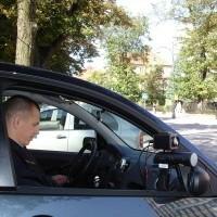 Inspektor straży miejskiej Radosław Kosiorek odpowiedzialny jest za łapanie piratów drogowych, których w naszym mieście jest naprawdę wielu