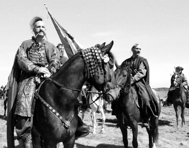 """Część scen """"Ogniem i mieczem"""" kręcona była na terenie naszego regionu – na poligonie w Biedrusku, a także w Biskupinie."""