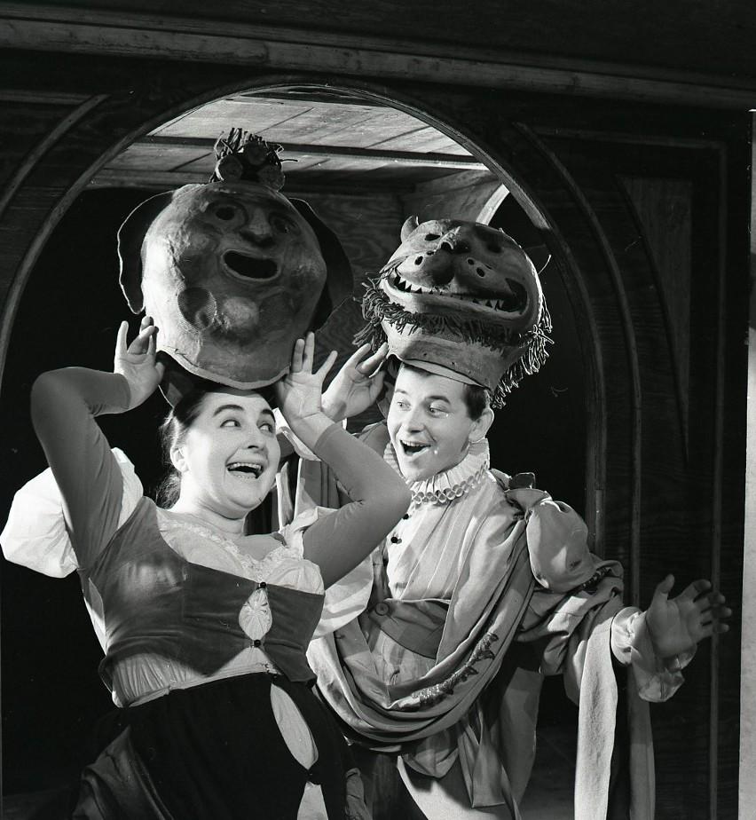 """Lucyna Legut, """"Wiele hałasu o nic"""" W. Szekspir, Teatr..."""