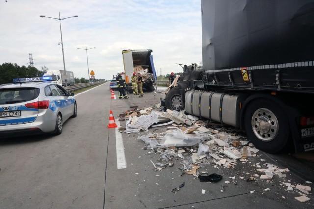 Policja przestrzega kierowców przed nadmierną prędkością i apeluje o zadbanie o bezpieczeństwo w czasie jazdy.