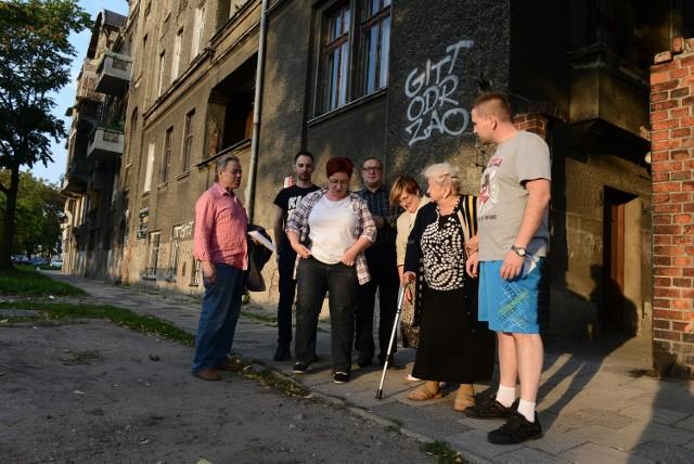 Kamienica przy Składowej: Lokatorzy nie mogą wykupić mieszkań