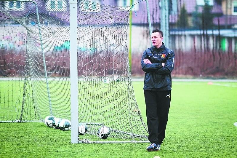 Napastnicy Jagiellonii wiosną w lidze nie trafili jeszcze do bramki rywali. Tym bardziej Tomasz Hajto chciałby mieć na treningach Tomasza Frankowskiego.
