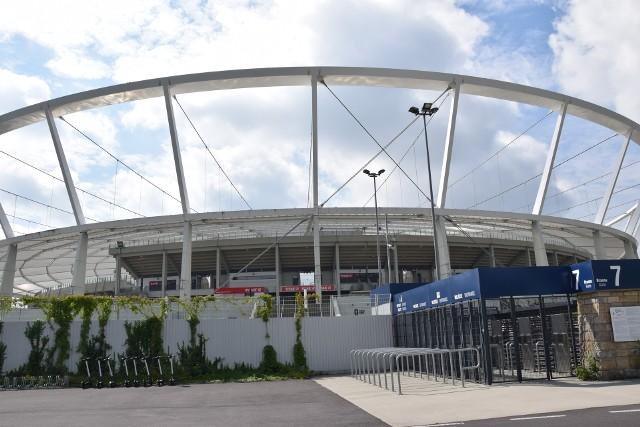 Rodzice małych piłkarzy muszą płacić za wjazd do parku Śląskiego Zobacz kolejne zdjęcia. Przesuwaj zdjęcia w prawo - naciśnij strzałkę lub przycisk NASTĘPNE