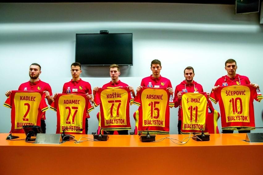 Dziennikarze w środę spotkali się z nowymi piłkarzami...