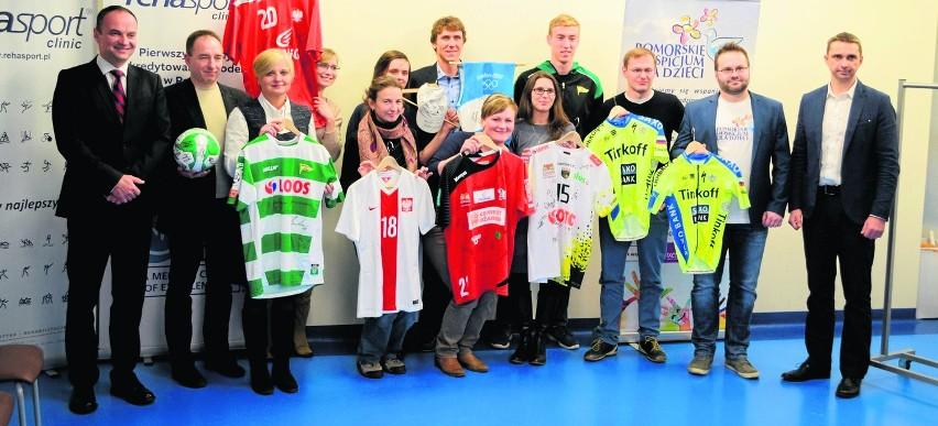 Sportowcy pomagają dzieciom z hospicjum