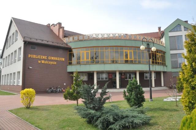 Szkoła podstawowa nr 3 w Wołczynie, czyli dawne gimnazjum.