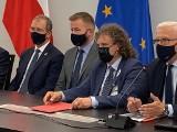 Jacek Karnowski i inni włodarze miast w obronie samorządów. Zapowiadają wspólny start w wyborach