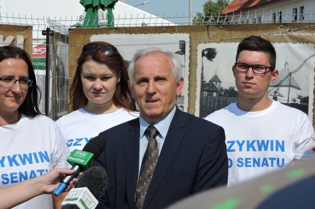 Eugeniusz Czykwin jest posłem na Sejm  PRL i RP IX, X, I, IV, V, VI i VII kadencji (w latach 1985–1993 i ponownie od 2001).