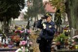 Tczew. Straż miejska z noktowizorami patroluje cmentarze