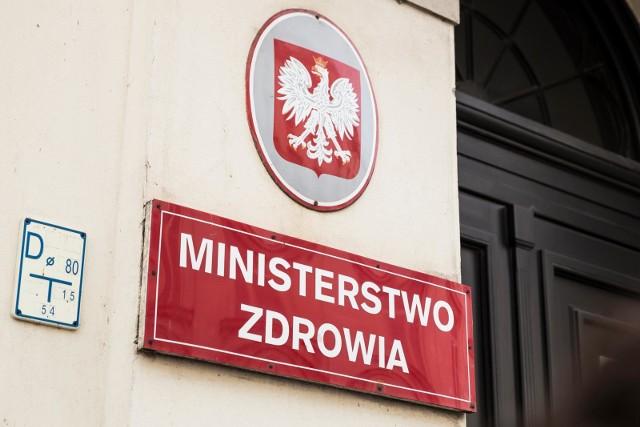 Rząd odpiera zarzuty ws. niezweryfikowanych badań dot. koronawirusa