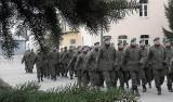 Kujawsko-Pomorska Lista Płac 2018. Żołnierze dostaną 655 złotych podwyżki. Tak teraz zarabiają według stopni wojskowych [stawki]