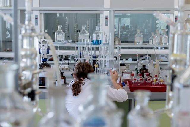 Od zmarłego mężczyzny pobrano próbki w celu przeprowadzenia badań