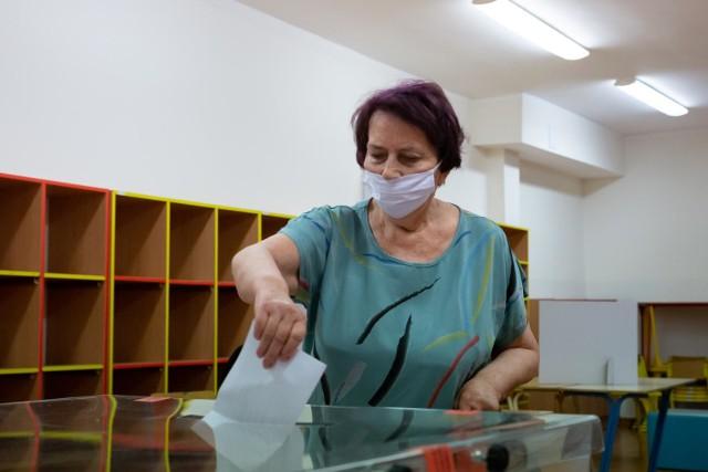 Oficjalne wyniki pierwszej tury wyborów prezydenckich Państwowa Komisja Wyborcza podała we wtorek wcześnie rano