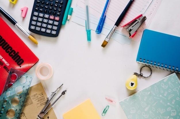 Osiągnięcie maksymalnego skupienia i uwagi to jedne z najcięższych zadań codziennego życia studenta. Rozproszyć może dosłownie wszystko – niespodziewany telefon, powiadomienie na Facebooku, a nawet stos kartek, które są skutkiem nieposprzątanego biurka. Pozostaje więc pytanie – jak się uczyć, aby przyswajanie wiedzy stało się miłym doświadczeniem i co najważniejsze, aby zdobyte informacje pozostały w głowie.