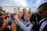 Andrzej Duda w Gliwicach o zmianie Konstytucji. Oklaski, gwizdy i selfie z prezydentem WIDEO+ZDJĘCIA