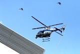 Policyjny śmigłowiec lądował przy Borowskiej we Wrocławiu. Przywiózł serce do przeszczepu (ZDJĘCIA)