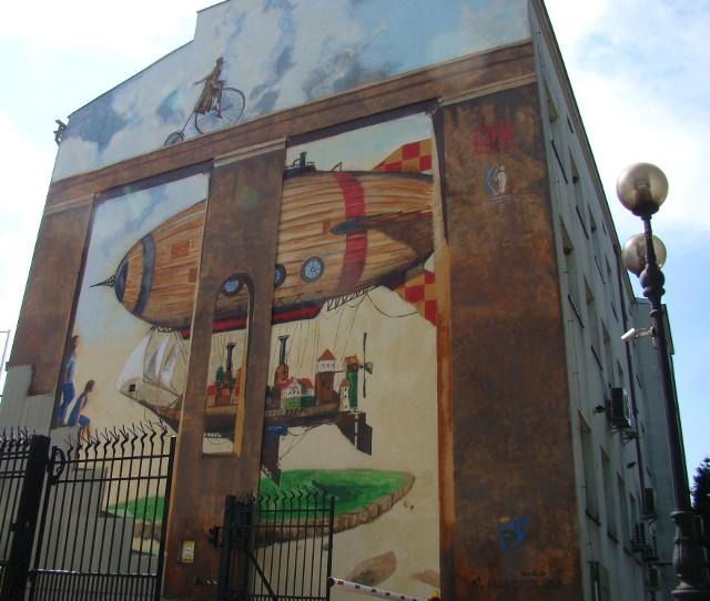 Mural na ścianie Banku Pekao SA, na u. Jagiełły w Oświęcimiu