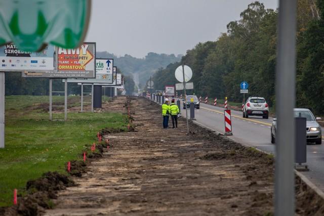 Buspas na fragmencie ulicy Gdańskiej to kolejny wydzielony pas dla autobusów. Niedawno ukończono budowę buspasa na Wałach Jagiellońskich, a w planach jest też budowa buspasa przy ul. Kolbego