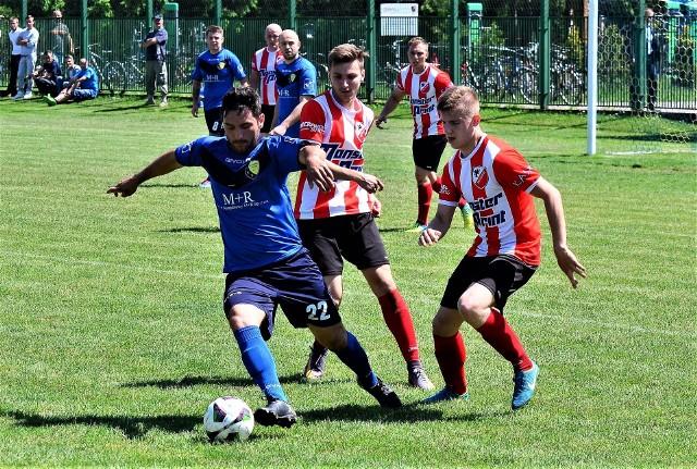Sparta Chorzelów pokonała Czarnych Trześń 3:1. Sparta na czerwono-biało-czarno.