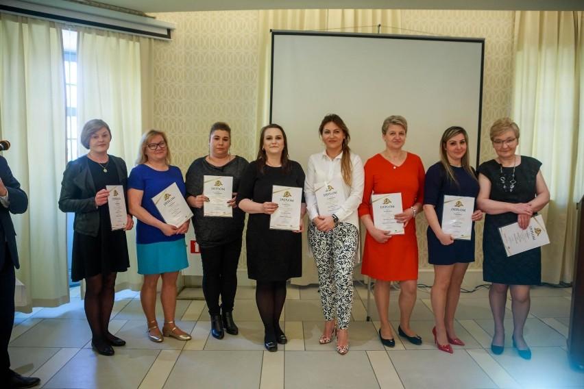 8ed645ef3805a4 Mistrzowie Handlu 2019 w kategorii Sprzedawca Roku na szczeblu powiatów –  Grażyna Doroszkiewicz, Julita Klimiuk