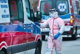 """Dolny Śląsk: Koronawirus w fabryce mebli. Nie żyje pracownik. """"To był zdrowy, aktywny człowiek"""""""