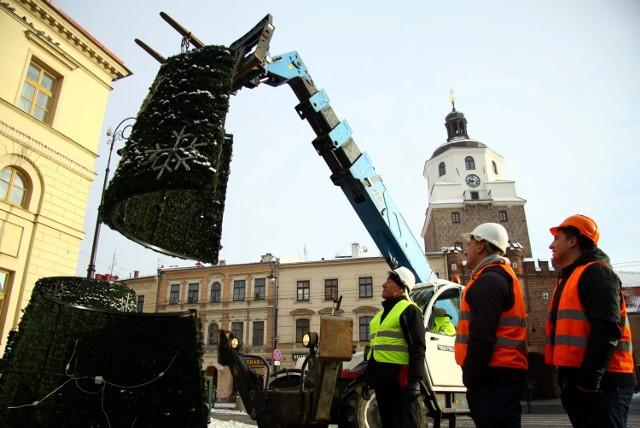 W poniedziałek miejska choinka została zdemontowana