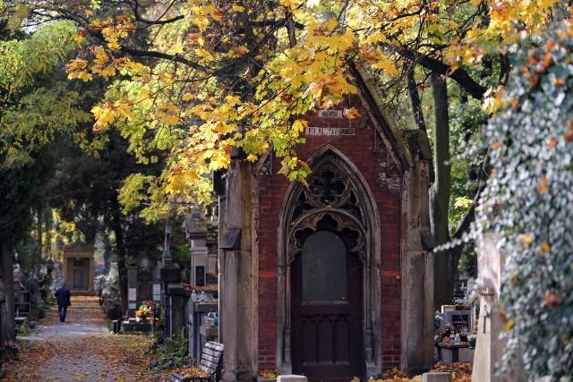 Kraków. Jesienny spacer po cmentarzu Rakowickim