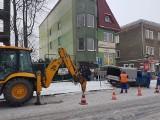 Atak zimy w Białymstoku. Kolejne rury nie wytrzymały mrozu. Urząd miasta oraz ul. Ogrodniczki były bez wody [ZDJĘCIA]
