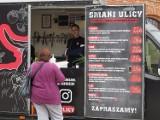 Zlot food trucków w Ogrodach Geyera. Co można zjeść i za ile? Pogoda odstraszyła gości, jest ich mniej niż zazwyczaj