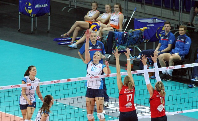 Izabela Kowalińska (nr 12) została wybrana najbardziej wartościową zawodniczką meczu w Bydgoszczy. Atakująca Chemika od czasu powrotu po kontuzji jest w wysokiej dyspozycji.