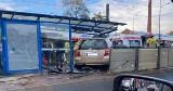 Samochód wjechał w przystanek w centrum Krakowa. Jedna osoba ranna