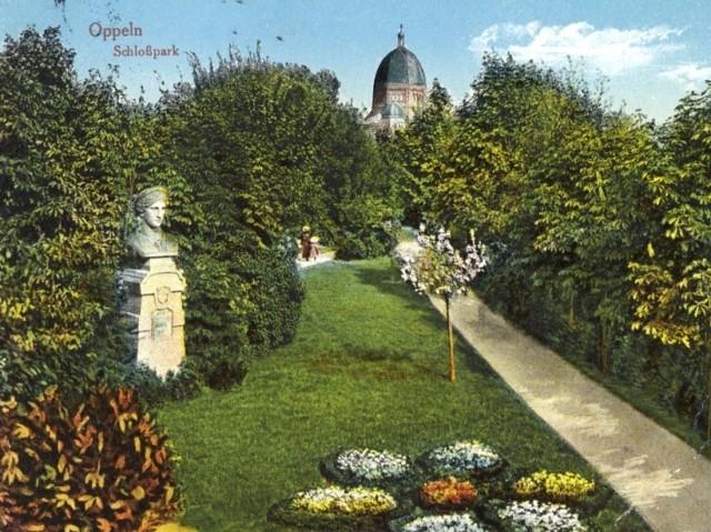 Tak wyglądała Junona na początku XX wieku, gdy stała w parku zamkowym. Dopiero po 1928 roku trafiła do parku na Pasiece.