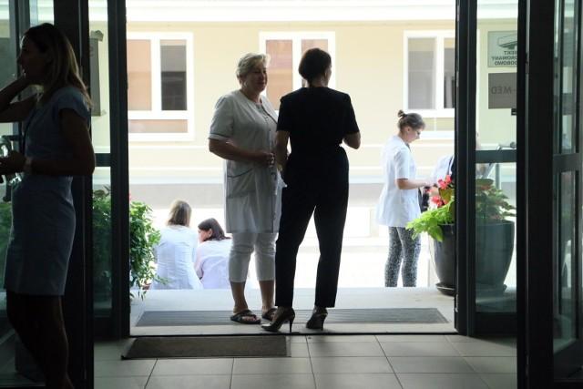 W sierpniu pielęgniarki z SPSK 4 wynegocjowały tysiąc złotych podwyżki