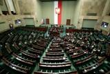 Gdyby wybory miały odbyć się w najbliższą niedzielę, najwięcej głosów zdobyłaby Zjednoczona Prawica
