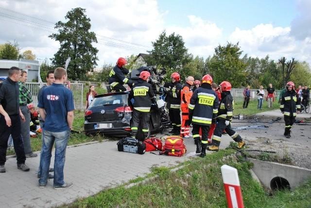W Grabowcu volkswagen zderzył się czołowo z ciężarówką