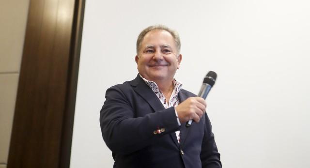 Robert Makłowicz, znany krytyk kulinarny, podróżnik i dziennikarz