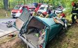 Śmiertelny wypadek koło Rawy Mazowieckiej. W zderzeniu busa z tirem zginął tomaszowianin i trzy inne osoby. Informacje 16.09.2021
