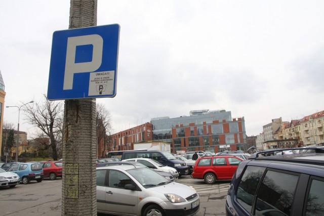 Zmiany w strefie płatnego parkowania nie spowodowały spadku przychodów.