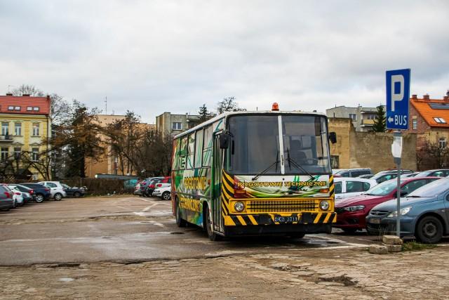 Trwa zbiórka pieniędzy na białostockiego Ikarusa. Pozostały dwa tygodnie na wykupienie autobusu ze złomowiska.