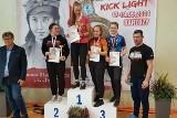 Kinga Wiśniewska z UKS Relaks Skarżysko-Kamienna na podium mistrzostw Polski w kick-boxingu