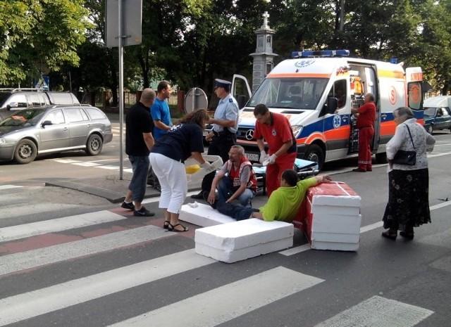 We wtorek rano na niebezpiecznym przejściu dla pieszych przez ulicę Limanowskiego, obok stacji krwiodawstwa, został potrącony mężczyzna