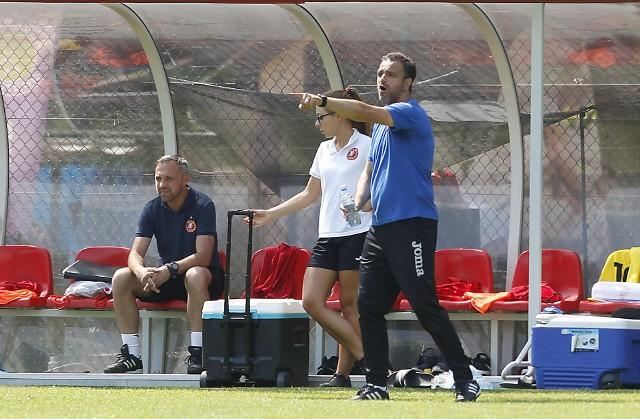 Enkeleid Dobi nie należy do trenerów spokojnie siedzących na ławce rezerwowych