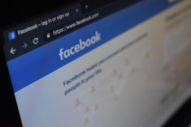 """""""Nowy regulamin Facebooka"""" - o co chodzi? Dlaczego jest niebezpieczny? To oszustwo - ostrzega CERT Polska."""