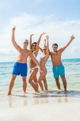 Bon turystyczny dla 18-latka. Kiedy dorosłemu dziecku należą się pieniądze na wakacje?