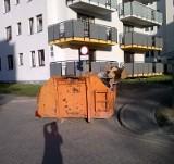 Droga pożarowa zablokowana przez kontener