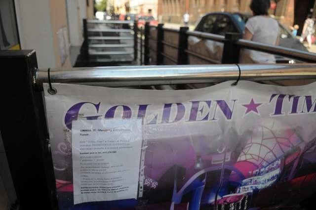 Konkurencyjny dla Cocomo klub Golden Time otworzył podwoje przy ulicy Prostej. Vis-à-vis sklepu Sacrum