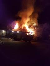 Pożary w województwie podlaskim. Spłonął wiejski dom i paliło się też pole zboża [ZDJĘCIA]