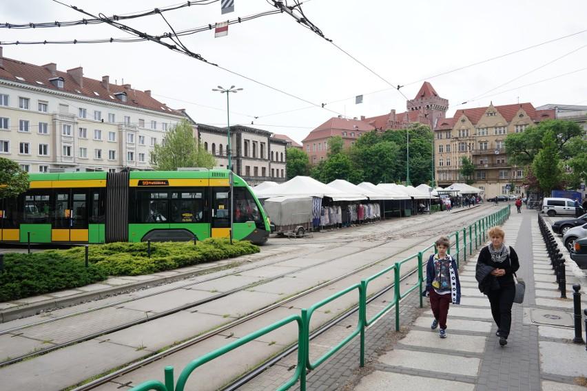 Obecnie nie można przejść z placu Wielkopolskiego do Zamku...