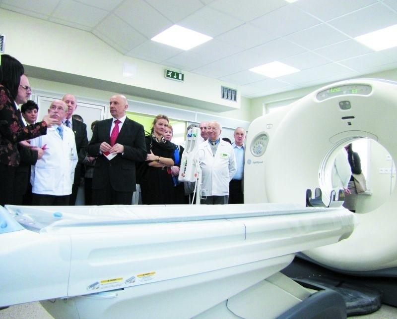 Nowym tomografem zachwycali się wczoraj przedstawiciele władz różnych szczebli. Lekarze chwalili natomiast możliwości urządzenia.